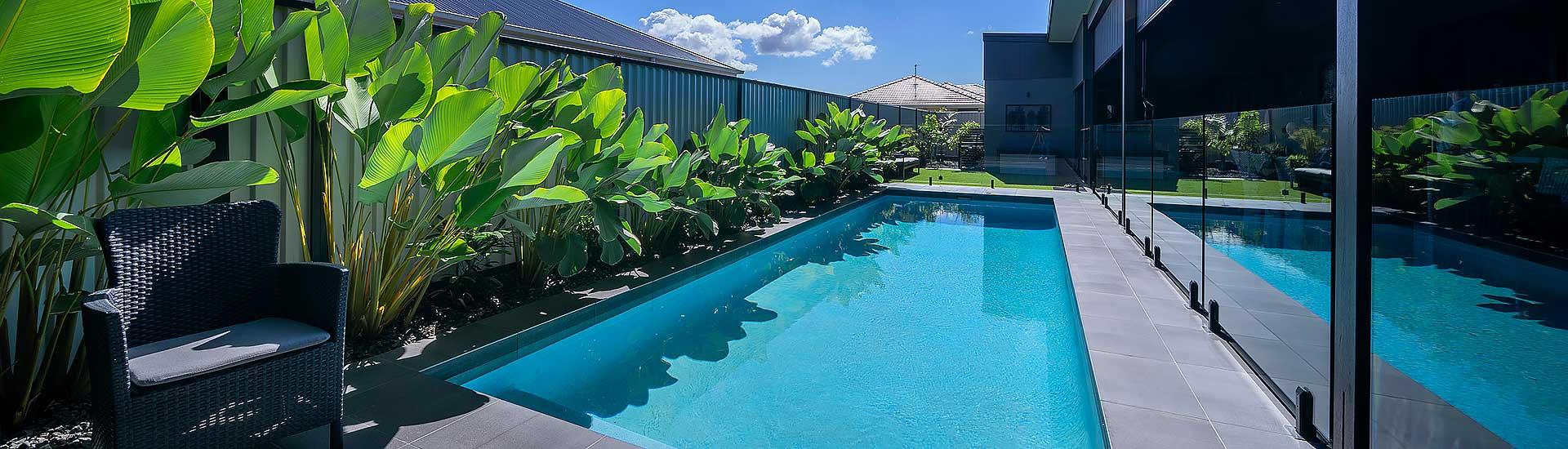concrete swimming pool builder