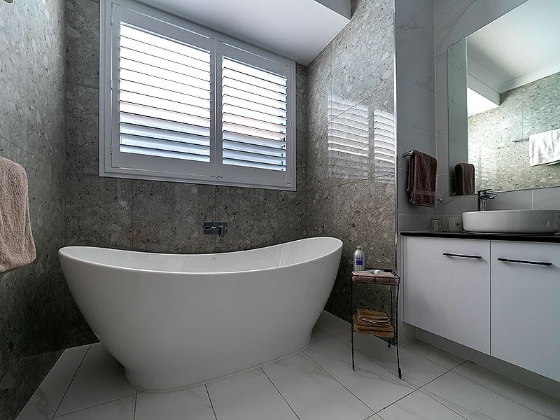 new home modern bathroom